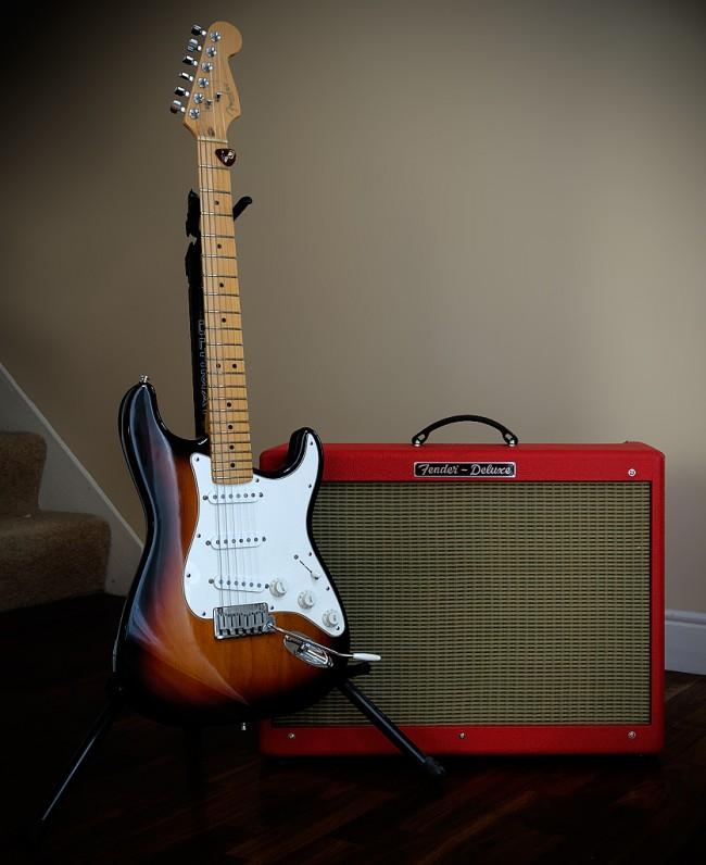 Fender-stratocaster-amp-deluxe-por-effstopate